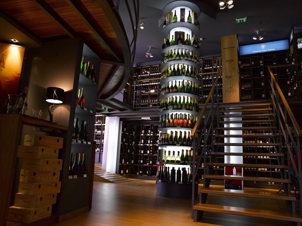 wine store in lisbon