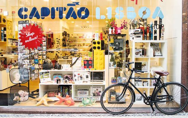 frontage_of_capitao_lisboa_shop-creative_store_lisbon