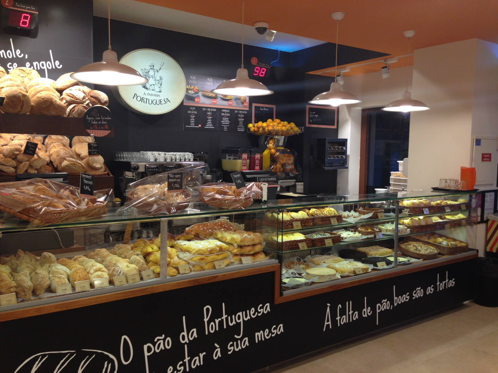 A Padaria Portuguesa - Bakery and Pastry store chain - Lisbon