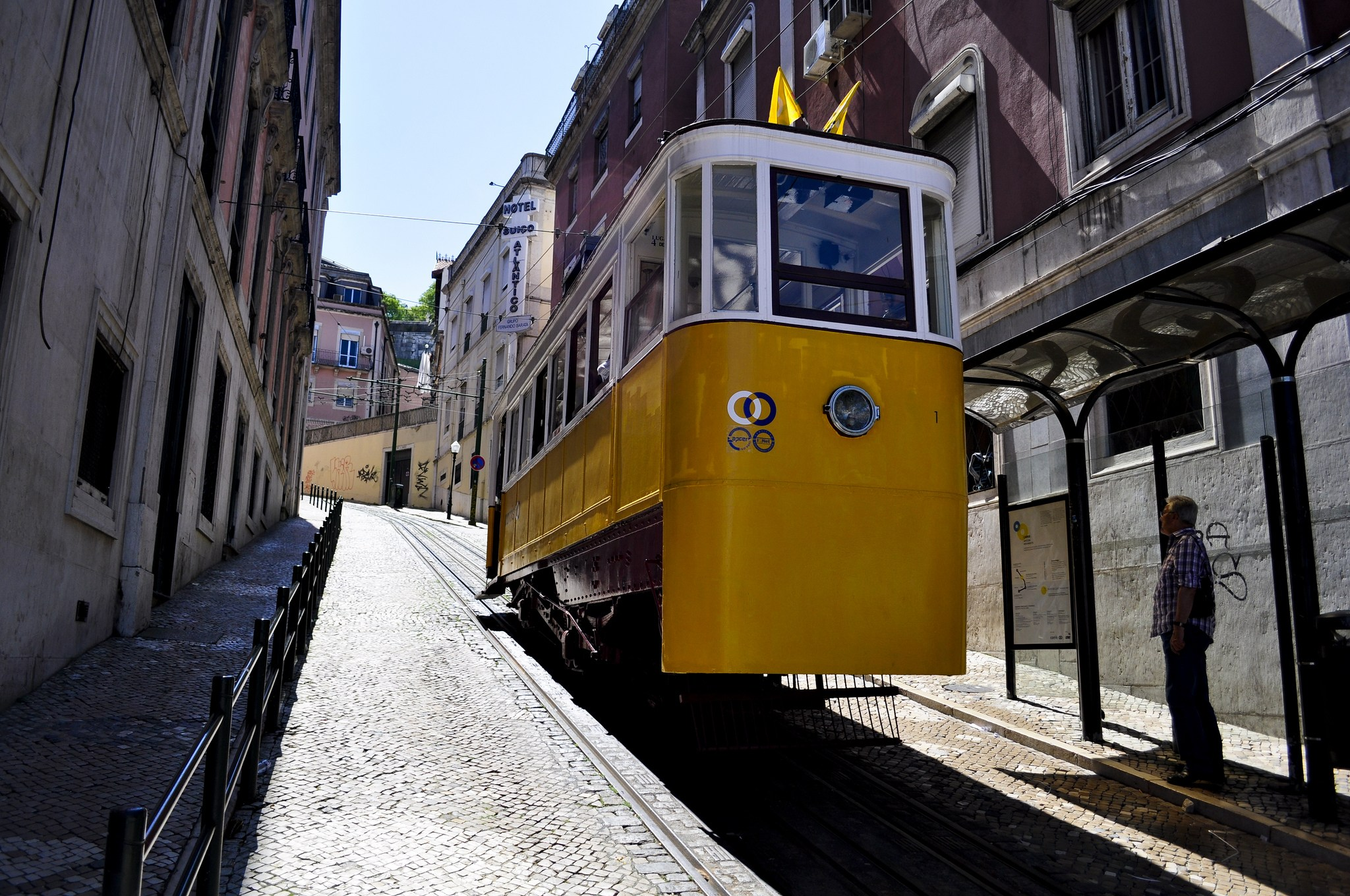 Lisbon Funicular - Elevator - Elevador da Gloria - flickr photo of Filipe Barreto