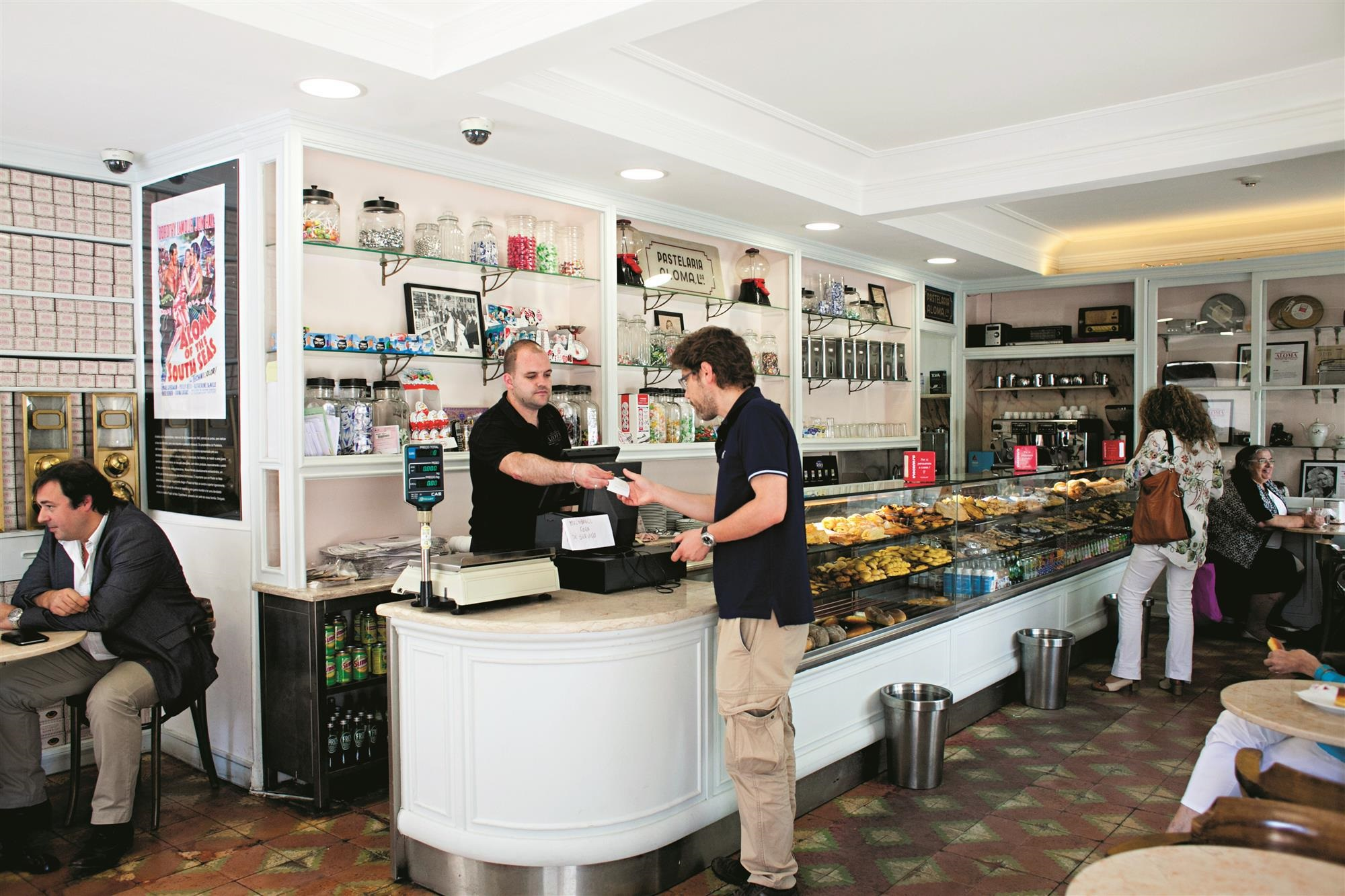 Pastelaria Aloma - Store for natas - Lisbon - Photo by seeyourmag
